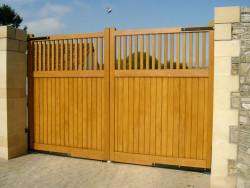 Flat top driveway gate - Croft C2